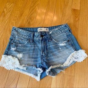 Abercrombie Low Rise Distressed Jean Shorts Sz 00